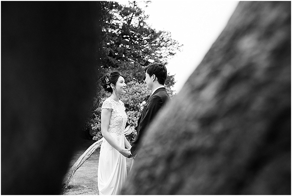 Leeds Castle Wedding | Fiona Kelly Photography | www.nubride.com_1159