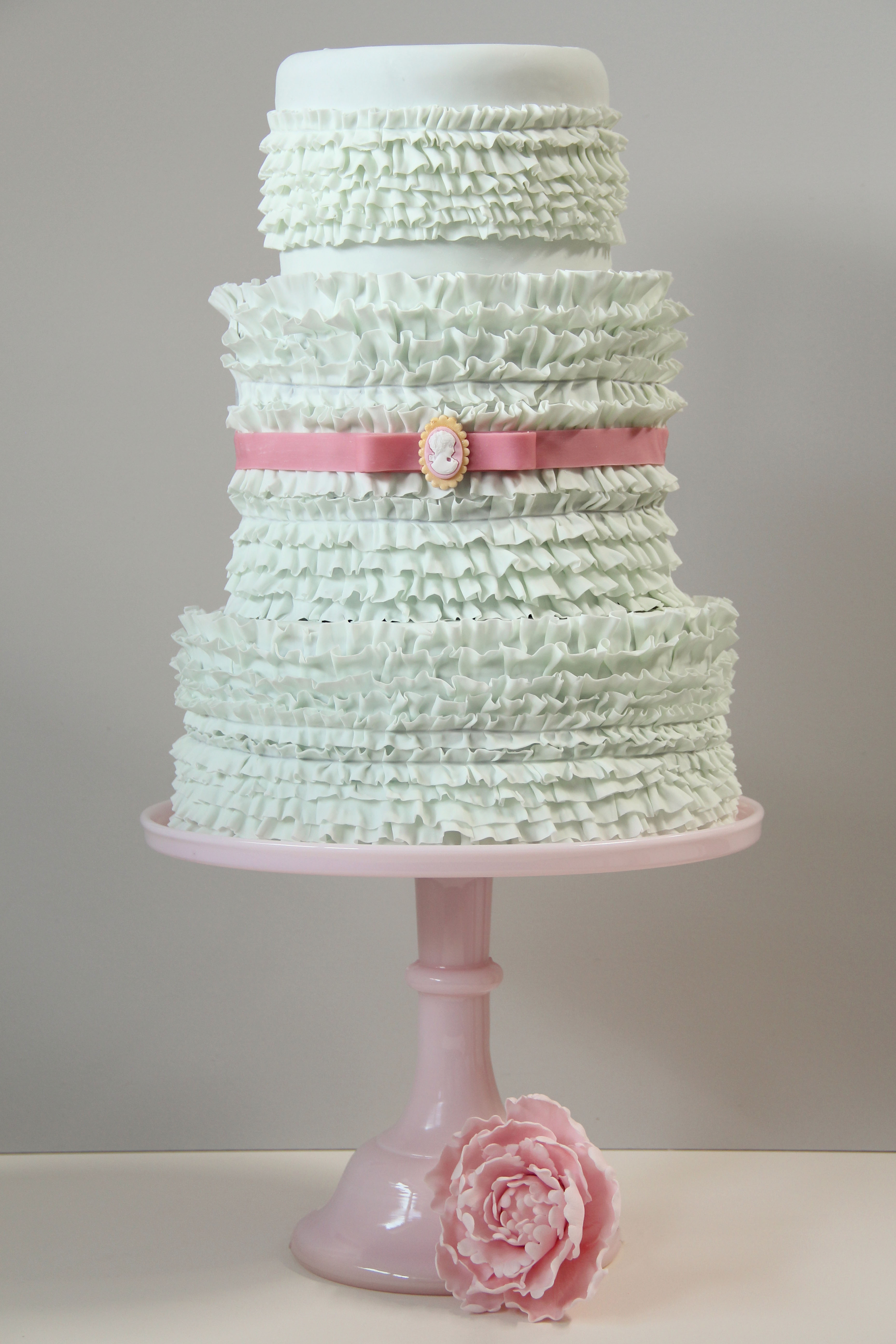 Wedding Cake Flavours & Designs with Sweetness Cake