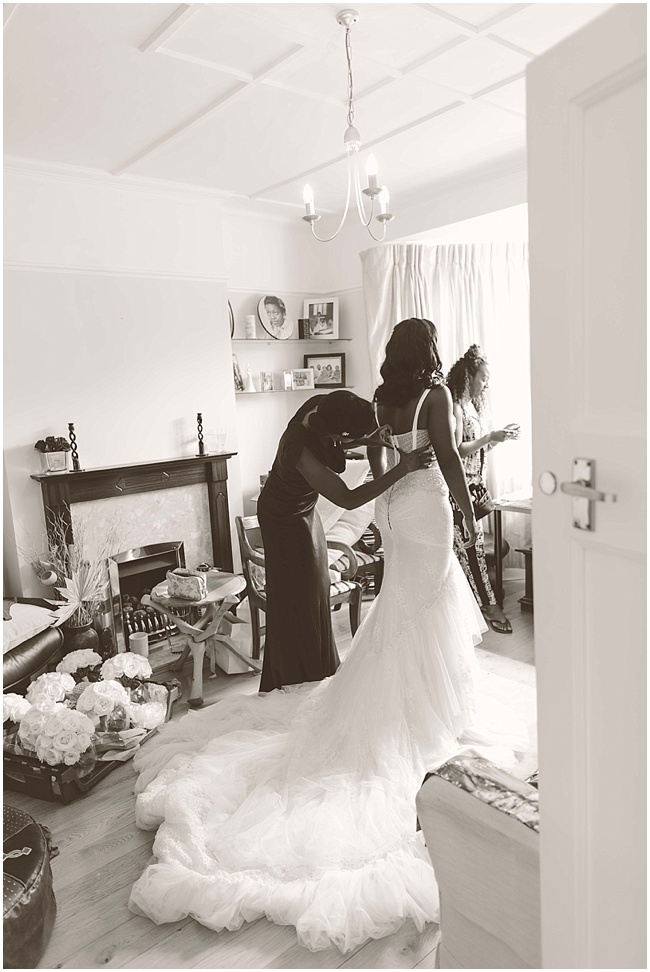 Hampton-Court-Wedding-Jay-Rowden-Photography-www.nubride.com_0308.jpg