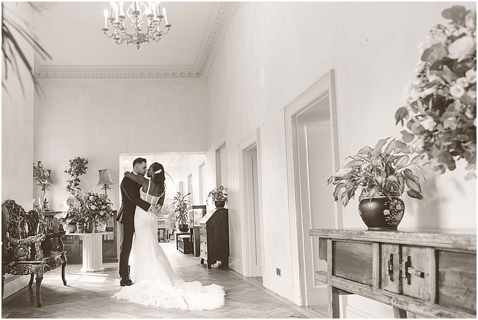 Hampton-Court-Wedding-Jay-Rowden-Photography-www.nubride.com_0328.jpg