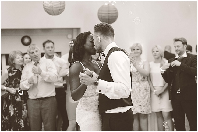 Hampton-Court-Wedding-Jay-Rowden-Photography-www.nubride.com_0331.jpg