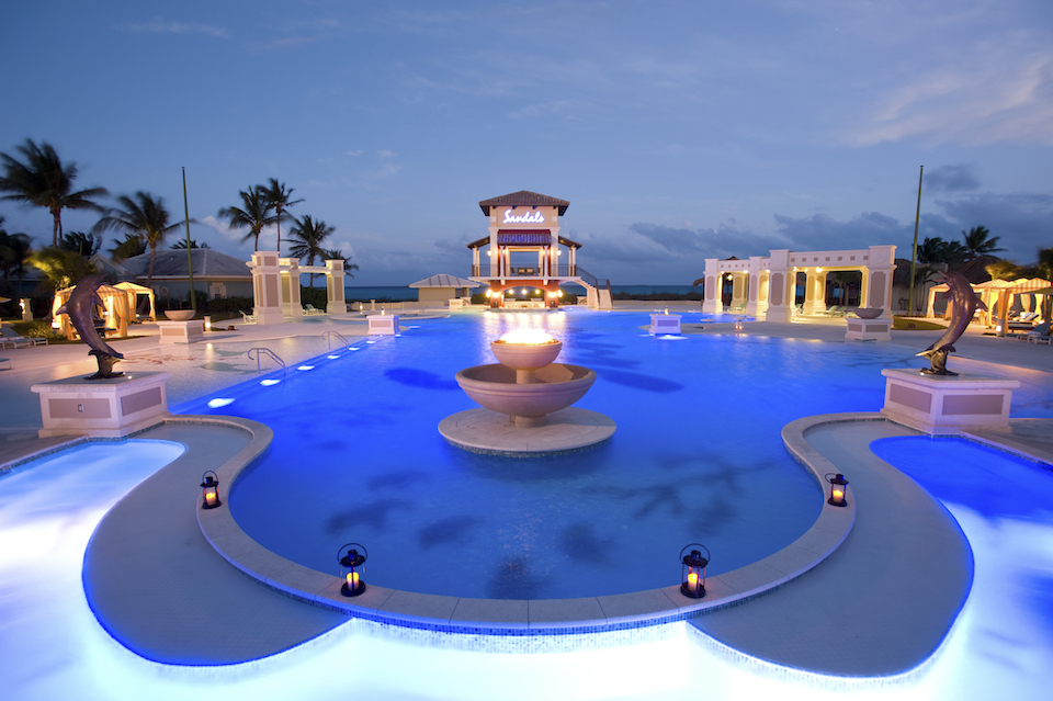 [HQ]_Sandals Emerald Bay, Pool at night