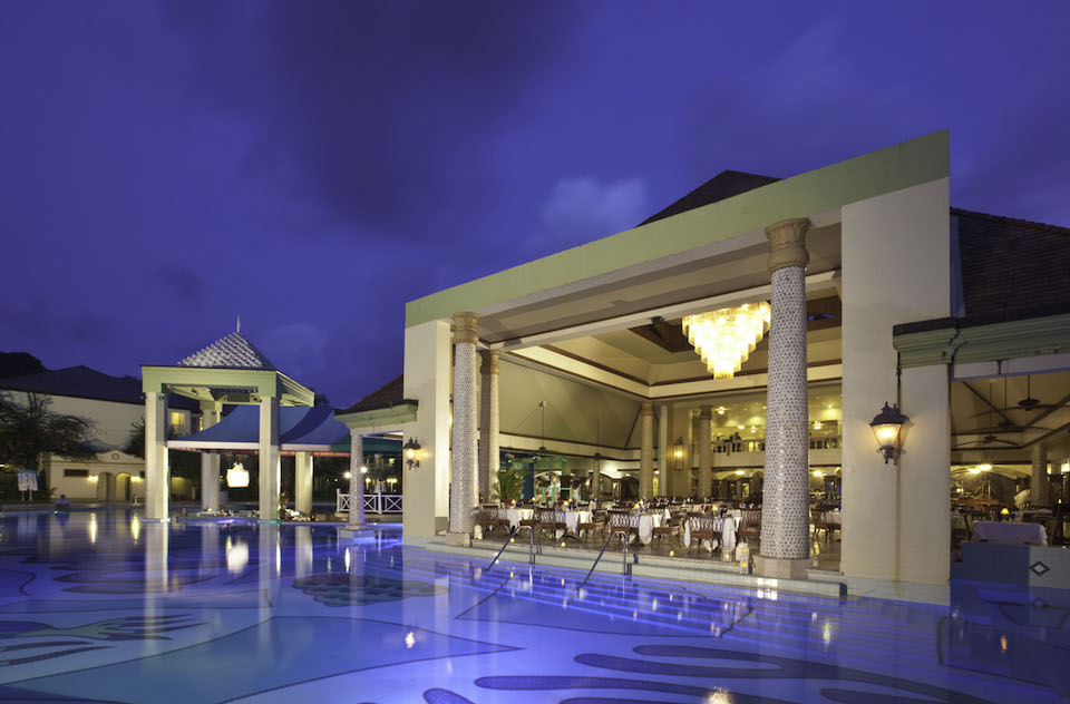 [HQ]_Sandals Regency La Toc Pavilion Restaurant Overlooking Pool