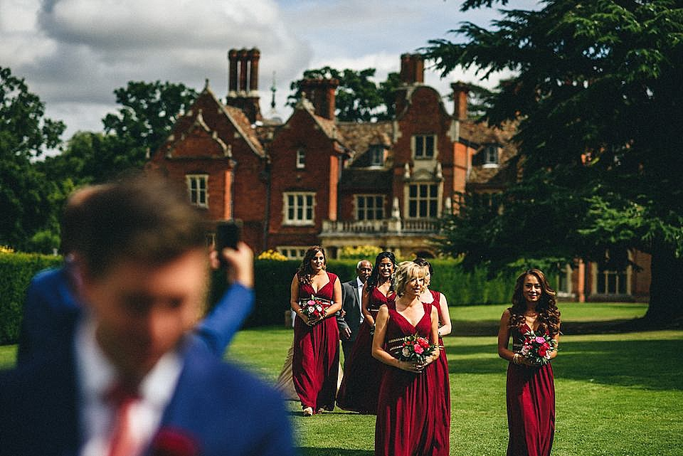 Red Navy and Gold Wedding | Langstowe Hall | Miki Photography | www.nubride.com_0507