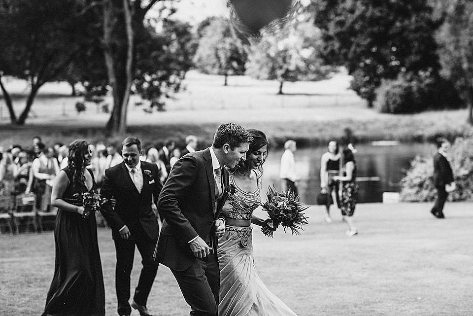 Red Navy and Gold Wedding | Langstowe Hall | Miki Photography | www.nubride.com_0520