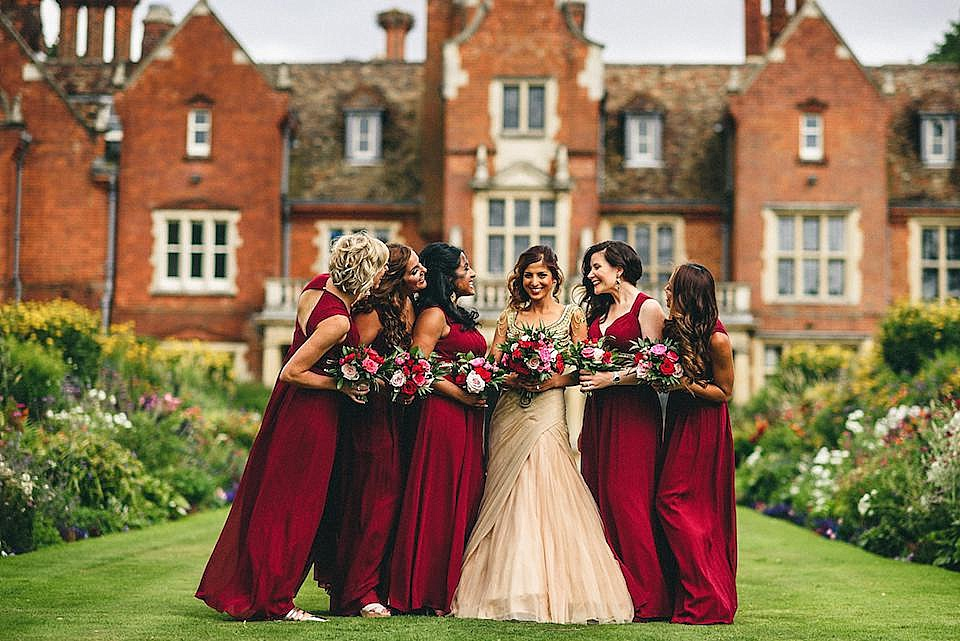 Red Navy and Gold Wedding | Langstowe Hall | Miki Photography | www.nubride.com_0524