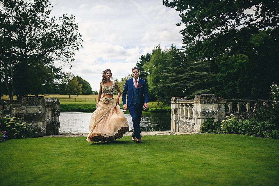 Red Navy and Gold Wedding | Langstowe Hall | Miki Photography | www.nubride.com_0536