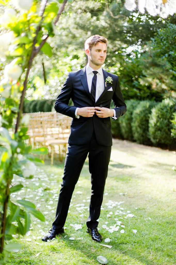 Stephen Bishop Suiting | Stylish Groom