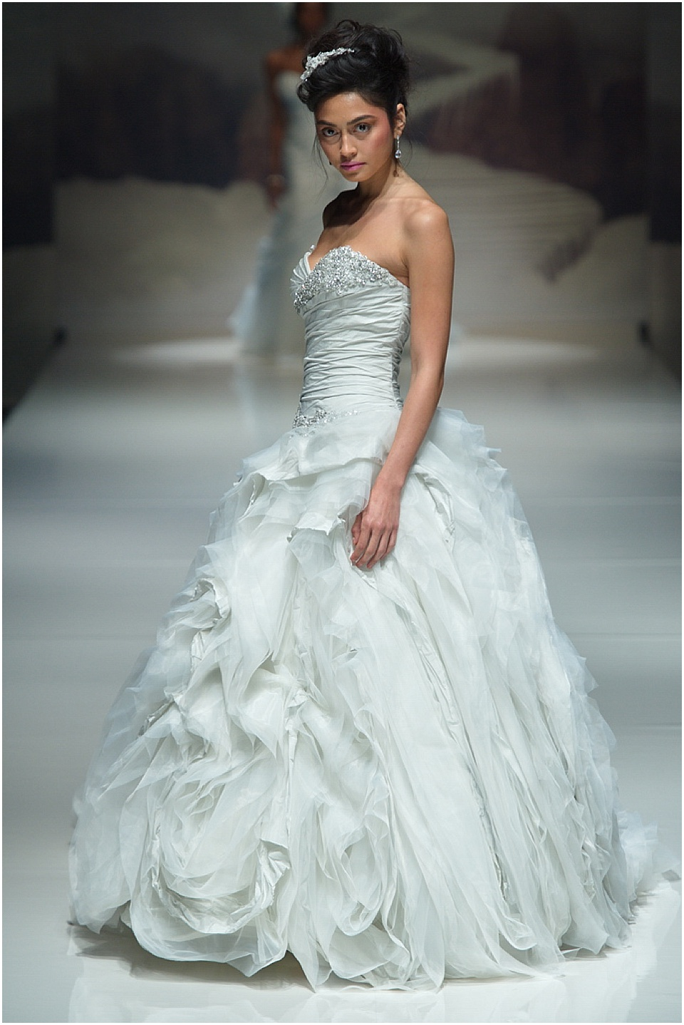 Wedding Dress Myths with Ian Stuart - Nu Bride